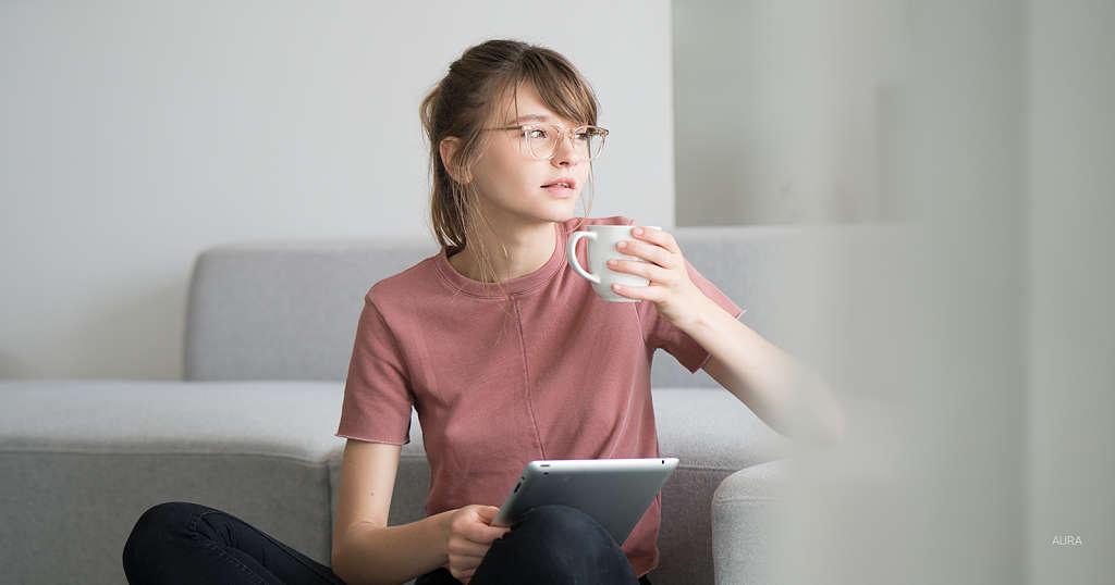 Pale Pink Glasses: Elegance in Subtlety