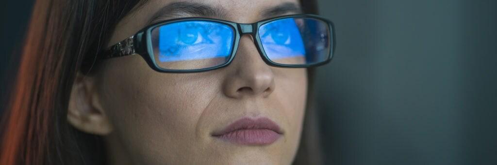 How much blue light do blue light glasses block?